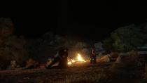 Кара убеждает Дж'онна не убивать пришельца