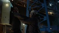 Хеншоу нападает на Дж'онна
