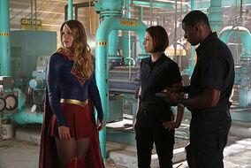 Supergirl 1x02