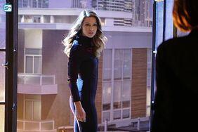 Supergirl-1x16