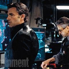 Bruce y Alfred en la Batcueva