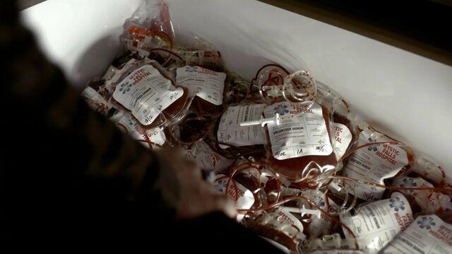 File:Blood-bags.jpg