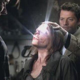 Castiel tue Lenore à sa demande