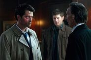 300px-Supernatural Season 7 Episode 1 Meet The New Boss 11-3544-590-700-80