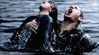 Dead In The Waterhkhk7yi867t8o