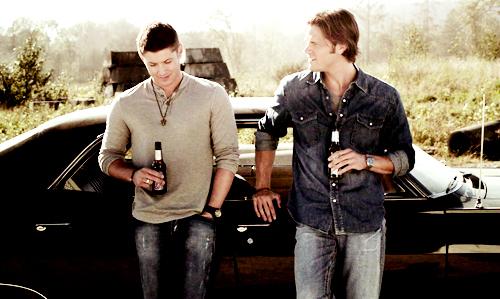 File:Beer-boys-dean-impala-sam-Favim.com-131002.jpg