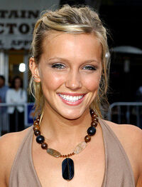 Katie-cassidy-pic