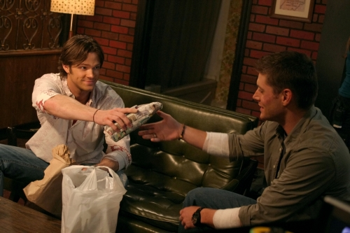Supernatural Christmas Episodes.A Very Supernatural Christmas Supernatural Wiki Fandom