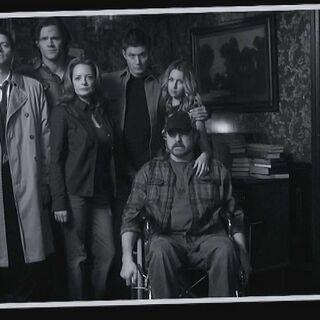 Dean, Ellen, Jo, Bobby, Sam et Castiel.