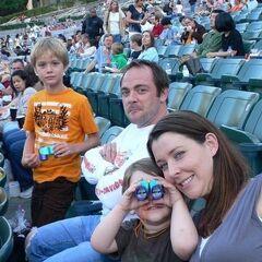 Марк Шеппард с Джессикой Марк и сыновьями