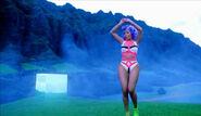 Nicki+Minaj-Starships 3
