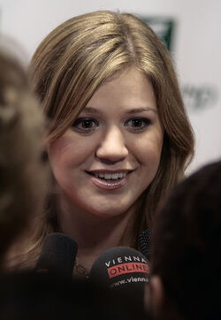 Kelly Clarkson, Women's World Awards 2009 d