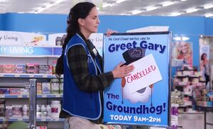 S03E12-Heather groundhog sign