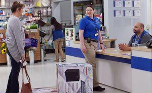 S03E03-Dina Garrett fridge customer