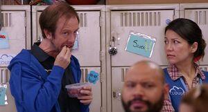 S01E02-Sal creepiness