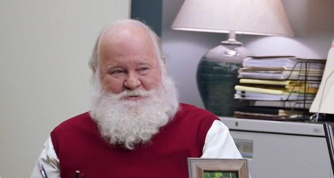 S02E08-Santa Tom