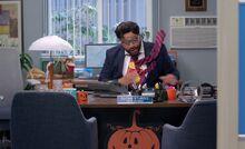 S04E04-Garrett Glenn's office