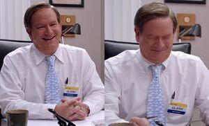 S01E06-Glenn collar goof