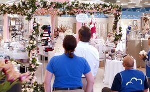 S01E09-Bridal archway