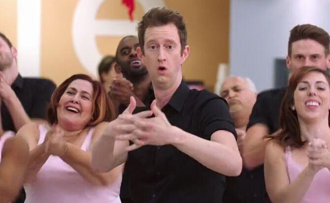 S02E13-Miles dancing