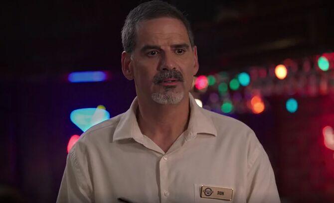 S02E12-Waiter Ron