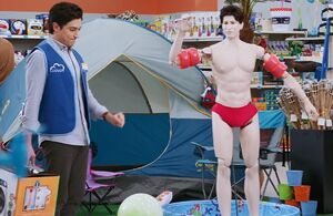 S01E04-4Mannequin-bathing suit