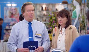 S03E18-Glenn Jerusha store front