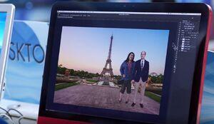 S02E15-Sandra Jeff in Paris