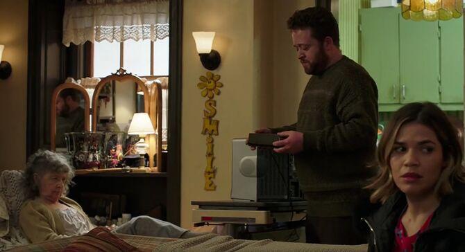 S02E17-Tim apartment2