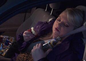 S03E09-Justine asleep