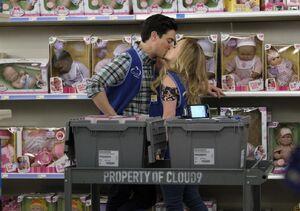 S03E08-Jonah Kelly kiss
