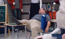 S04E01-Elias sleeps