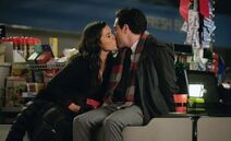 Christmas-kisses-superstore