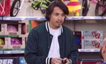 S04E20-Sneakerhead customer