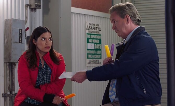 S04E09-Amy Glenn on dock