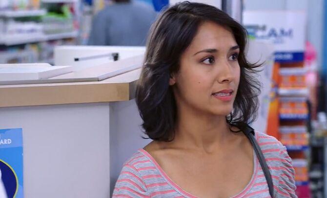 S02E03-Michelle head shot