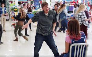 S01E01-Bo flashmob
