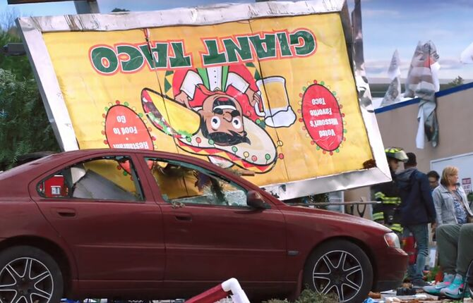 Glenns car with taco sign-S02E21