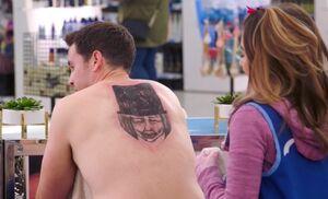 S04E13-Marcus tattoo