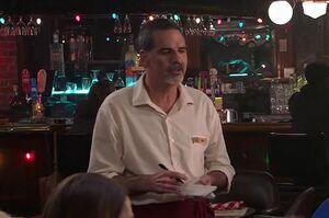 S02E12-Waiter Ron2