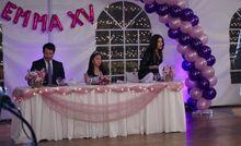 S04E17-Head table
