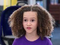 S02E18-Zoe head shot