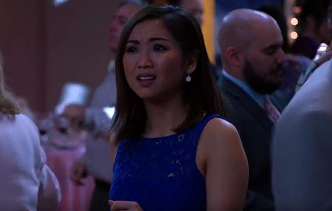 S02E20-Kristen at wedding