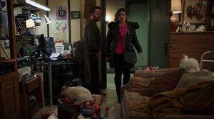 S02E17-Tim apartment1