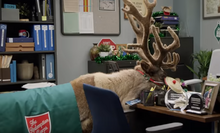 S03E07-Reindeer in Glenn's office