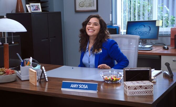 S04E15-Amy in office
