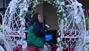 S02E15-Sandra in carriage