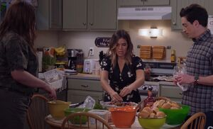 S03E09-Amy's house kitchen