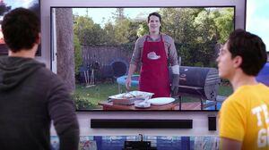 S01E07-Adam grill video