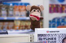 S02E10-Monkey puppet